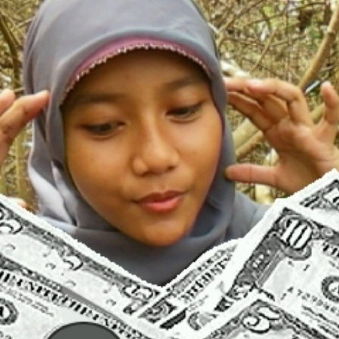 Lalala.. i have a dollars lalala.. No i lie lalala.. But ama(not)layer LOL Philipine  Filipina AMALAYER