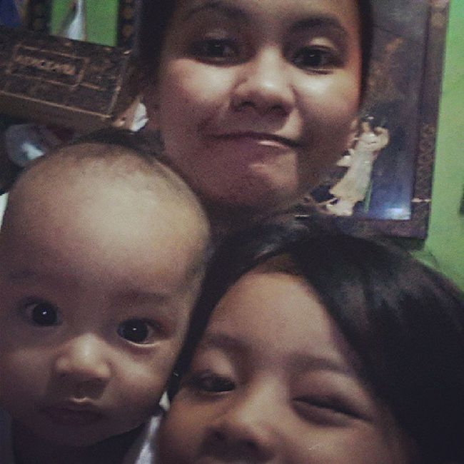 Saturday rainy day with kiddos c: ♥♥ Haggard NoSleepYet Mothermode Kiddos myhappiness