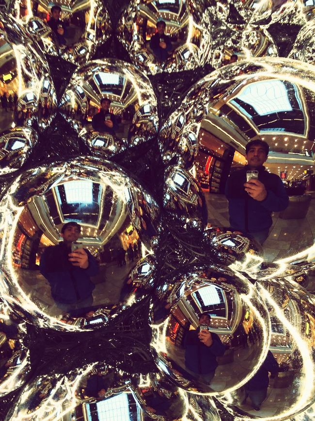 A different kind of Selfie ✌ Christmas Balls Westfield Stratford Christmas Decorations Silver Balls IPhoneography Circle Pattern
