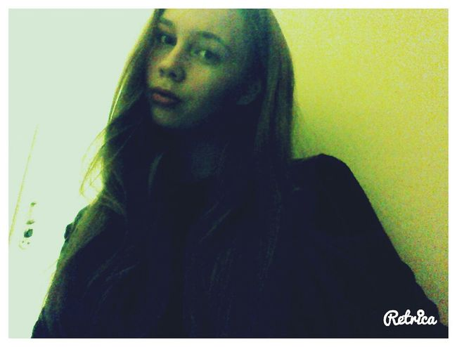 Сейчас нахожусь в Москве. Очень круто провела время. была на самом болштм и красивом катке в моей жизне (каток на ВДНХ). Москва в новогодние каниклы очень красивая. Всегда этим восхищалась, потому что у нас такой красотищи не увидешь. Скоро поедем домой, а так не хочется. Начнутся серые будни, а хочется чего-то яркого принести в жизнь. Все таки я поняла, что Москва-это мой город! Traveling Taking Photos Hello World That's Me Moscow Beutiful Day Beutifulllife My Life Still Life Citylife