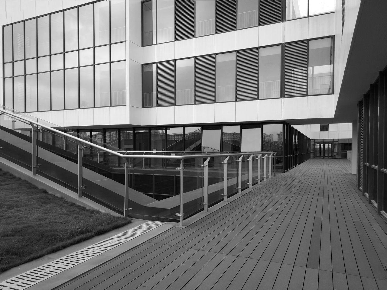 线条与框架 Architecture Built Structure Building Exterior Railing Modern Day No People Outdoors City Sky