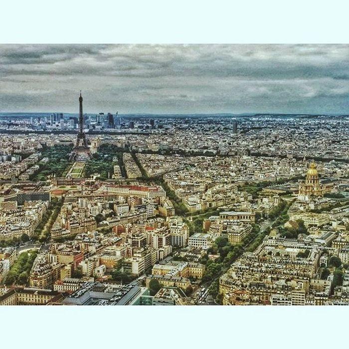 My Paris 🗼 Vscoromania Vscocam VSCO Paris France Monparnasse Tourist Panorama Panoramic Ig_bucharest Igersbucharest Ig_romania Autumn Vintage Cityoflove Sky HDR Toureiffel Eiffeltower Eiffel