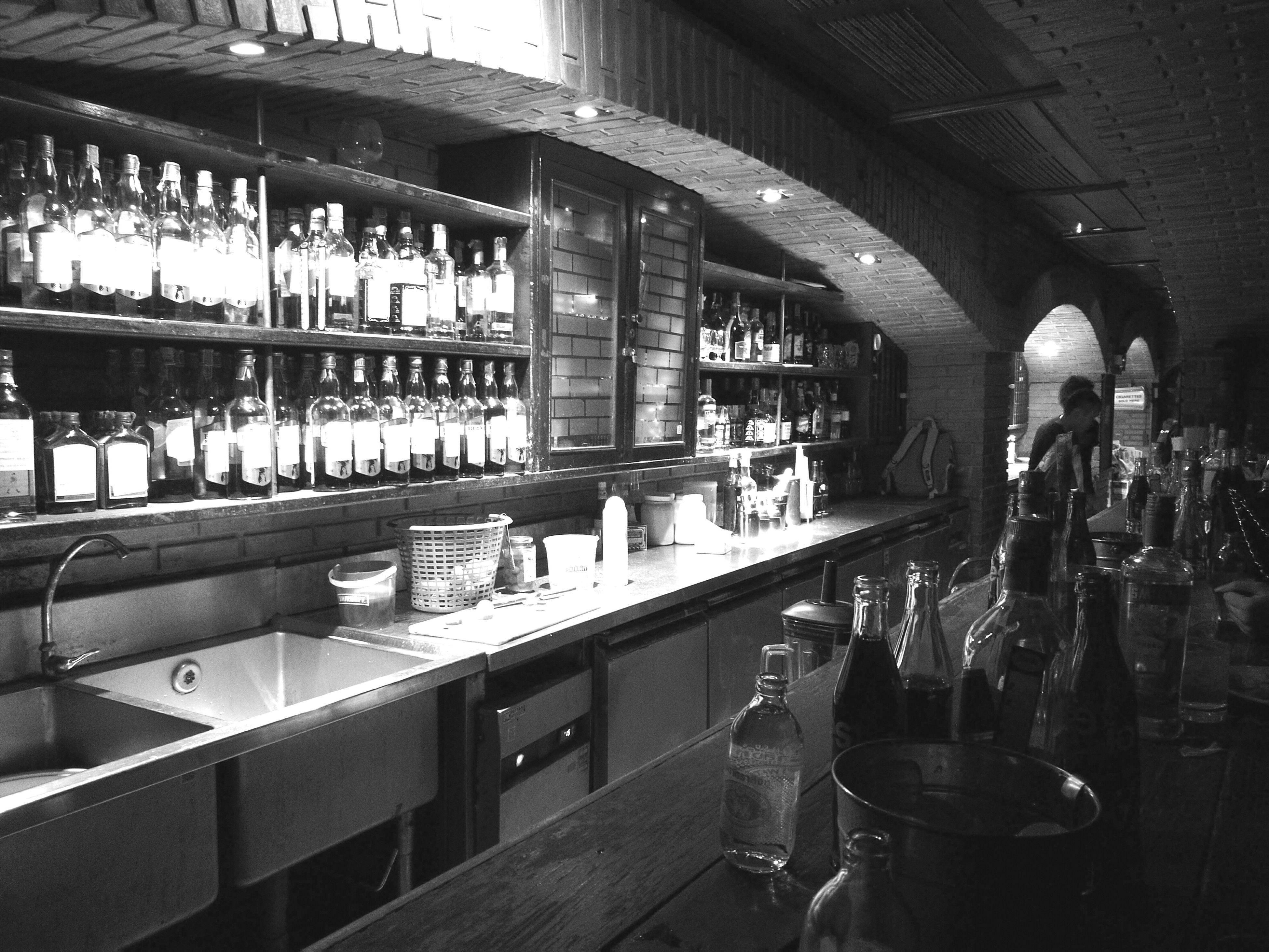 Super very HAPPY Bar Counter Drink Alcohol Thailandtravel Khaosarn Blackandwhite Brickbar Friends