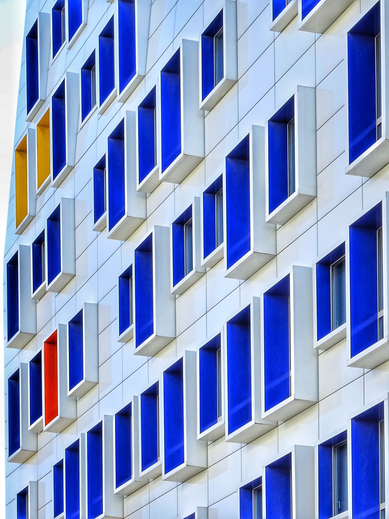 Window Building Exterior Architecture Outdoors In A Row Built Structure Day No People Close-up EyeEm Multi Colored Colors Streetphoto_color Street Photography City Architecture Eyeem Colors Balcony Eyeem Color Photos🌈 Marseille La Belle Blue White And Blue