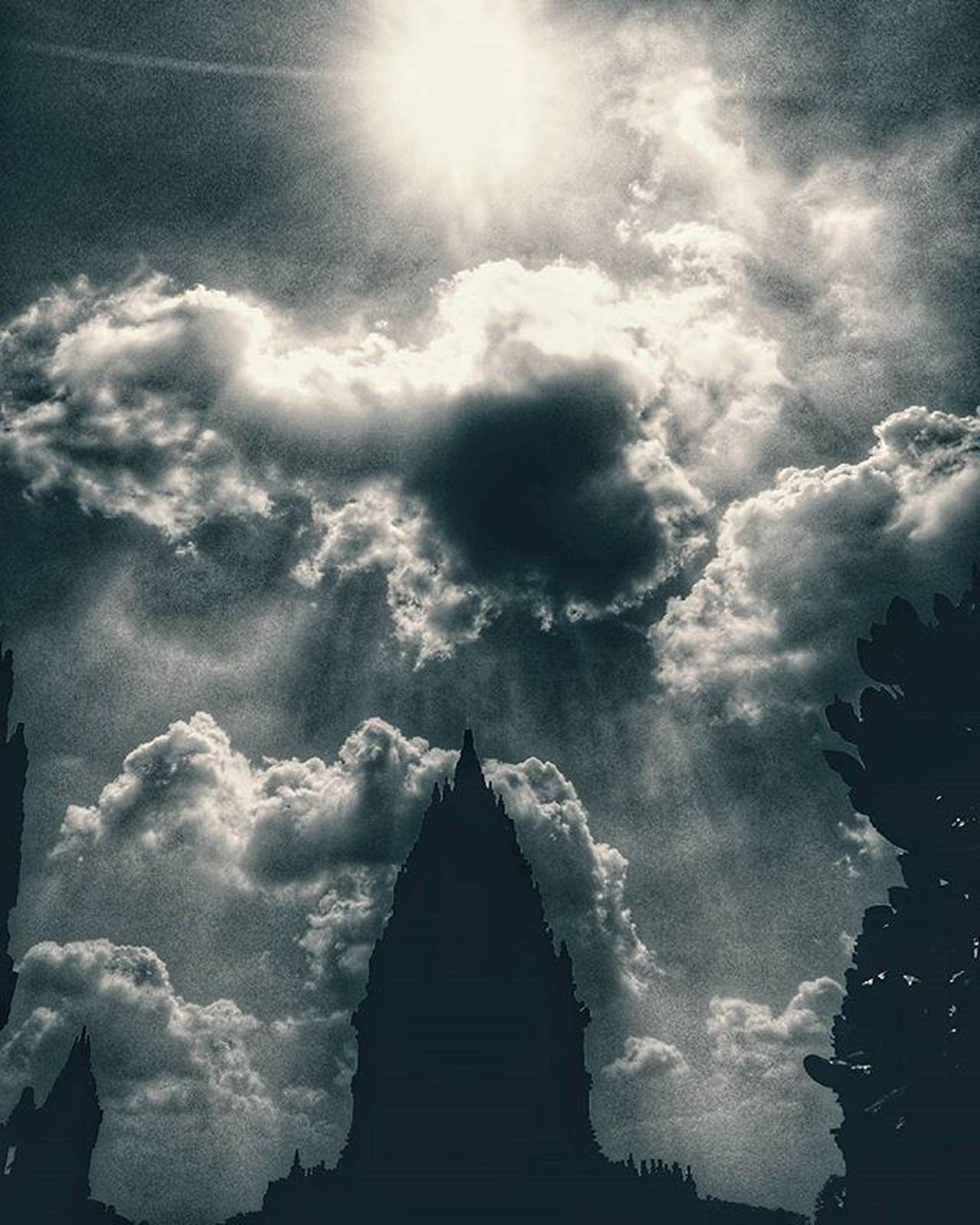 Di Balik Warna .. @geonusantara @geojabodetabek Upram019 011600666 Geojabodetabek lok : taman martani Geojateng Instajawa Instajateng Bw Bw_crew Bw_photooftheday Amateurs_shot Kompasnusantara Serikat_fi Amateurs_bnw Amateurphotography Clouds Instabwphoto Cloudporn Vscofilm Architecture Sky Vscophoto Blackandwhite Hitamputih Hitam Darkness igblacknwhite igblackandwhite monocrome instablackandwhite instablack