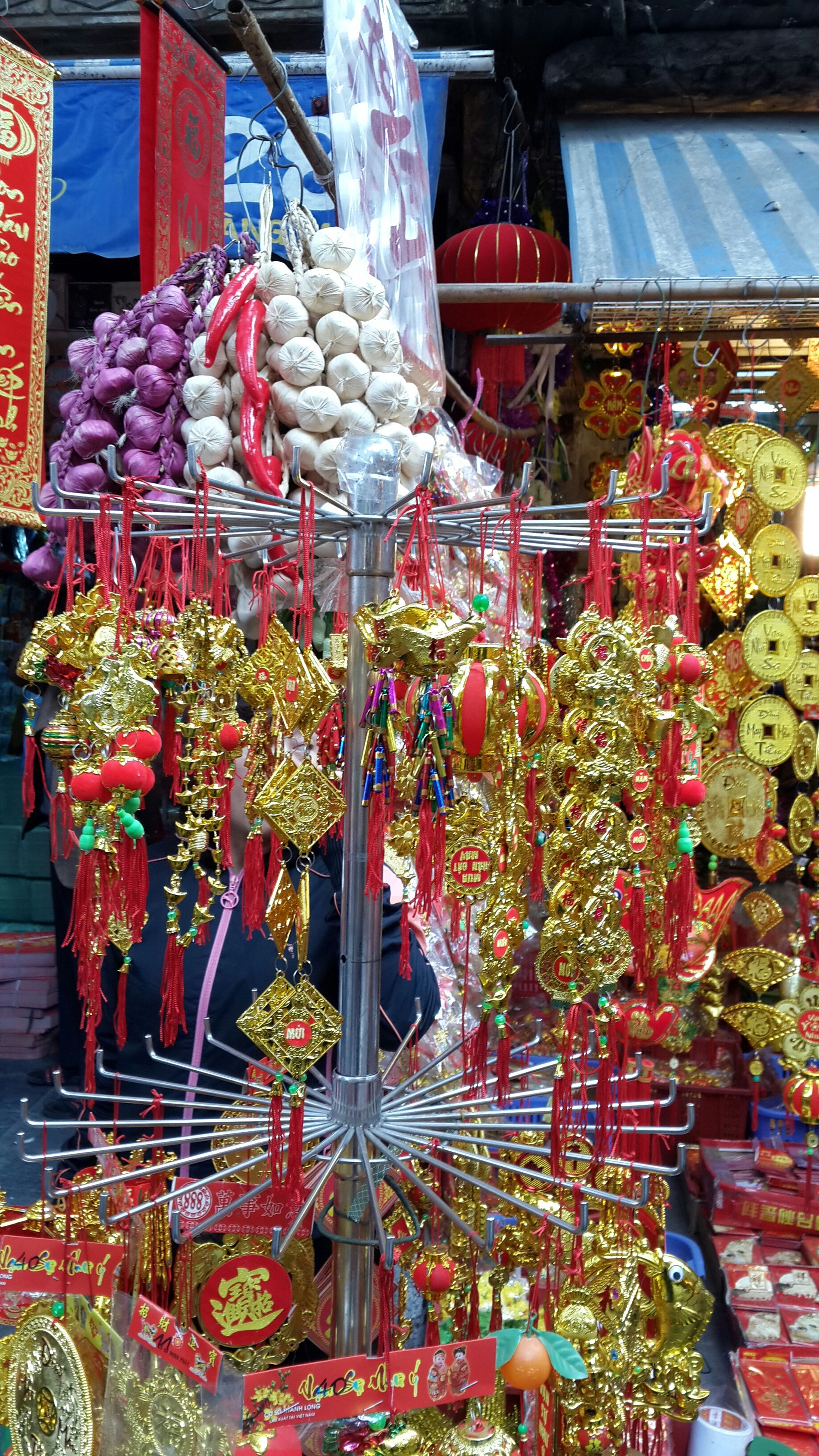for sale, flower, retail, variation, choice, abundance, freshness, market, decoration, market stall, hanging, arrangement, large group of objects, multi colored, potted plant, plant, display, store, growth, collection