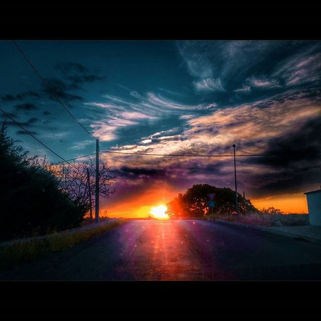 Salento Nature Sun Sole Light Sunset Tramonto Sky Cielo Colorful Instaday Picoftheday Road Street Ontheroad Tricase Ig_salento Ig_lecce Ig_puglia Red Blue Wonderful Beautiful Instagood Italy dettaglidelsalento life natura
