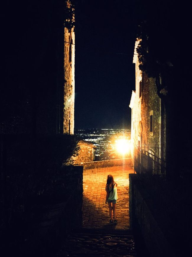First Eyeem Photo Montecatini Montecatini Terme Streetphotography Street Nightphotography Night View Girl Nightshot Italy Old Town Mountain Cityview Night City People And Places