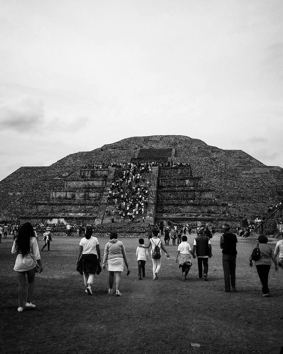 Piramide del Sol Mexico City Beutiful  Piramide Del Sol Piramide ❤❤❤❤ Black & White
