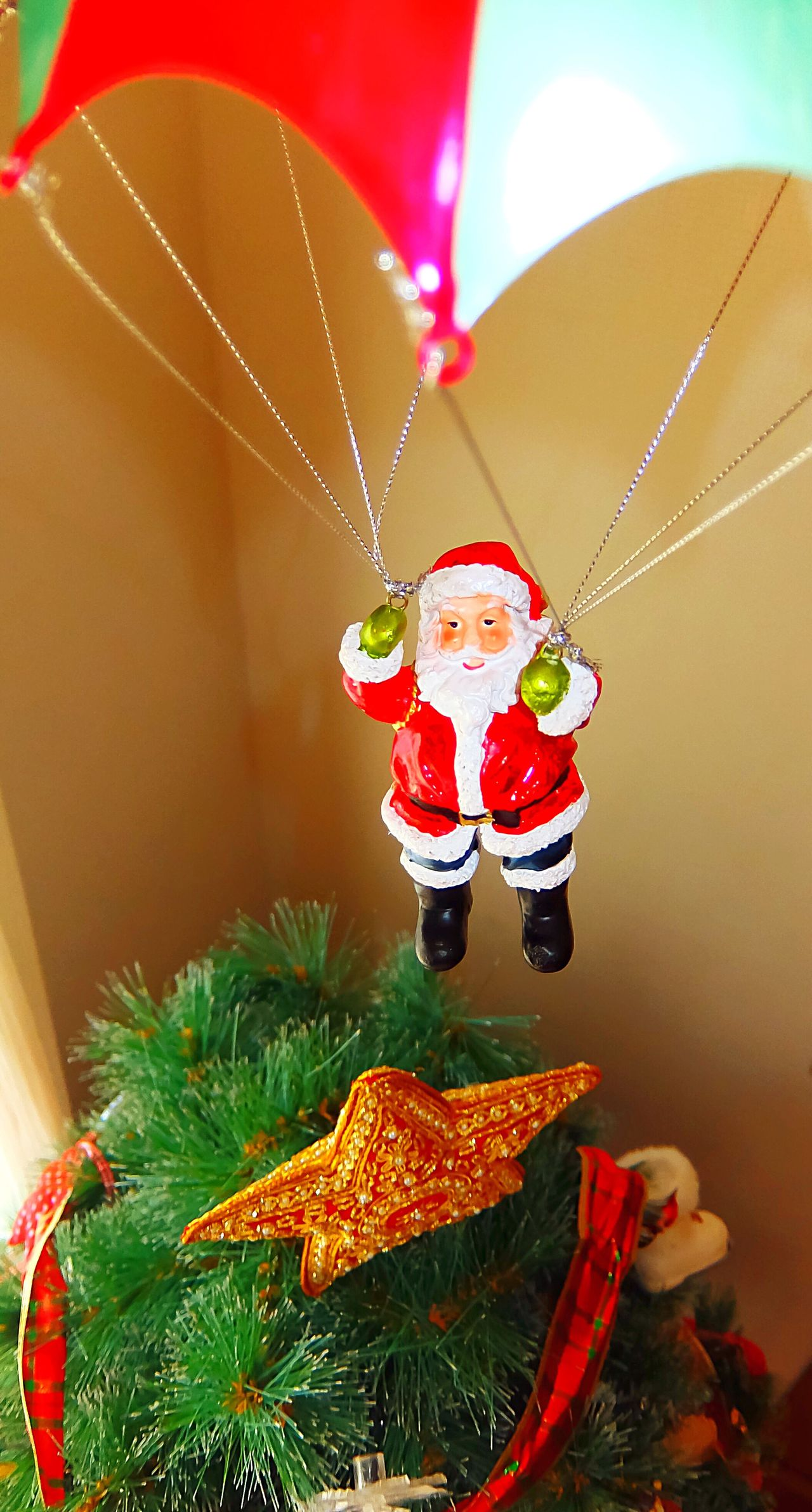 Santa Claus is comino to town Christmas Tree Christmas Decorations Christmas Around The World Xmas Xmas Decorations Xmas Tree Santa Santa Claus Holidays Holiday