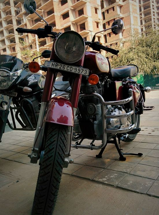 Motorcycles Motorcycle Motorcyclepeople Royalenfield Royal Enfield