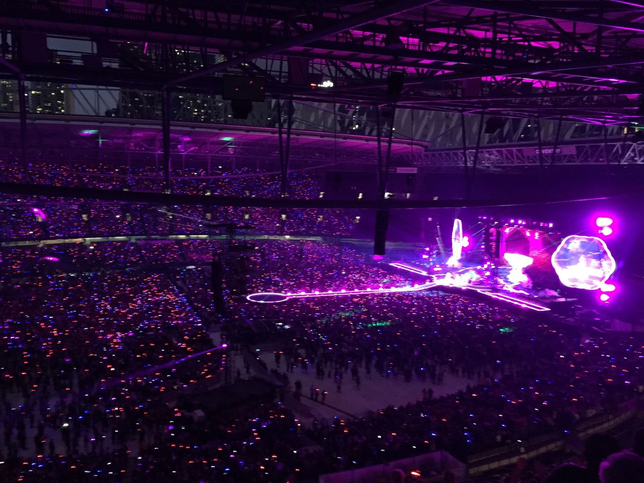 Coldplay Concert  a head full of dream COLDPLAY ♥