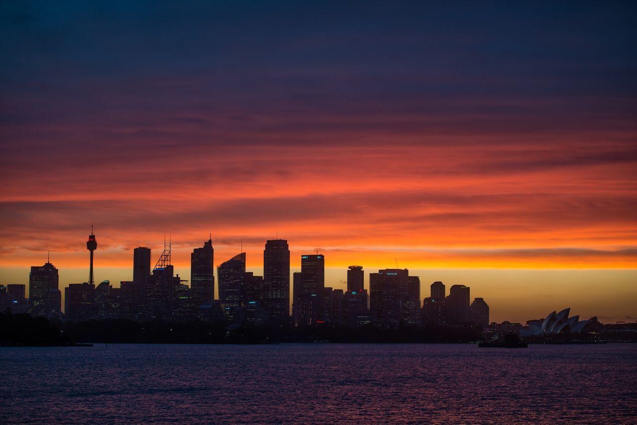 I do like this place... Sydney Sunset last Wednesday. #Sydney #Harbour #NSW #ilovesydney #Australia #Sunset #Colours #CBD #HarbourBridge #OperaHouse #GoodMorningSydney