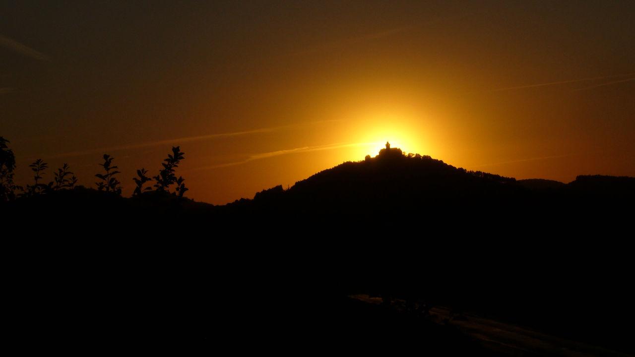 Wachsenburg am glühen Arnstadt Beauty In Nature Cloud Dark Drei Gleichen Idyllic Landscape Outdoors Scenics Silhouette Sun Sunset Thüringen Erleben Wachsenburg