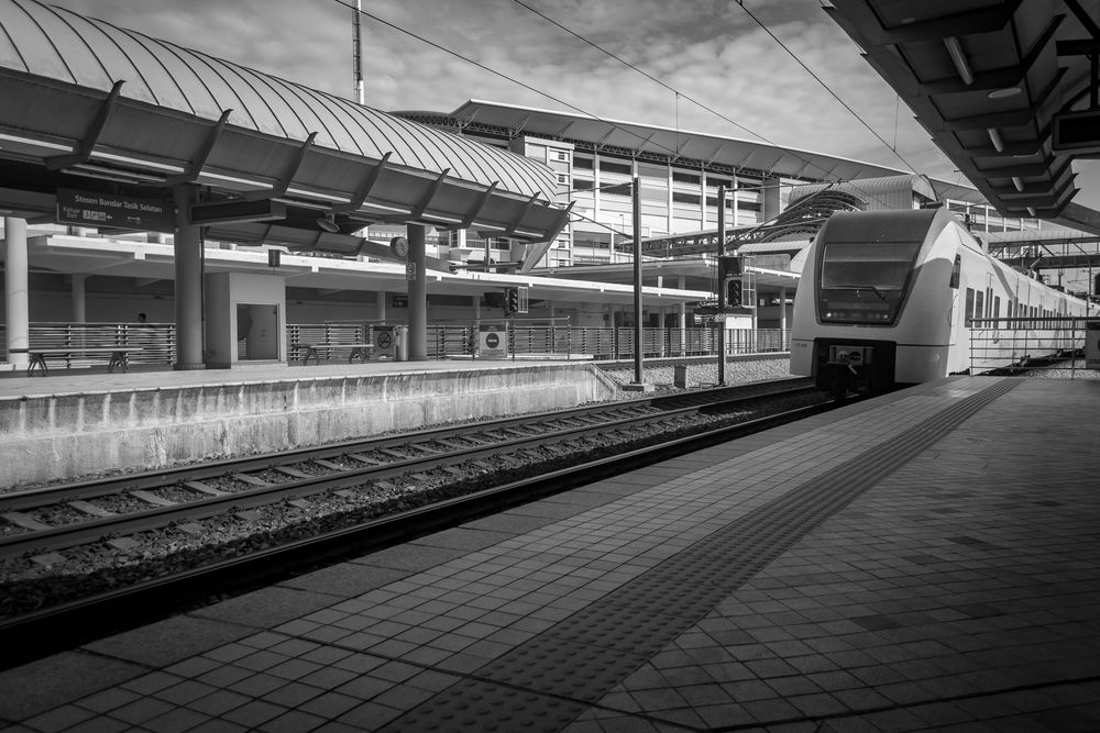 Railroad Station Transportation Rail Transportation Railroad Station Platform Public Transportation Built Structure Railroad Track Indoors  Architecture Day No People EyeEm Best Shots Eye4photography  EyeEm Architecture Traveling Home For The Holidays