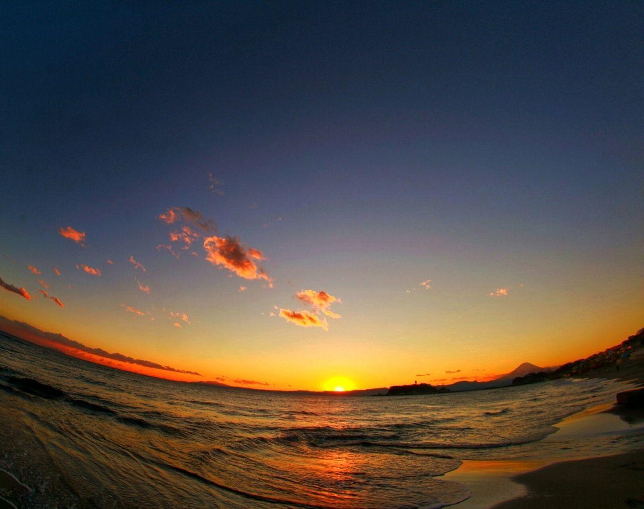 昼と夜の狭間に🌅 Sunset Sand Beach Sky Nature Sea No People Outdoors Luminosity Galaxy Day Relaxing Fine Art EyeEmBestPics Hi! Canon70d Myfavoritephoto Hello World MyFavorite  EyeEm Best Shots Sunset Silhouettes