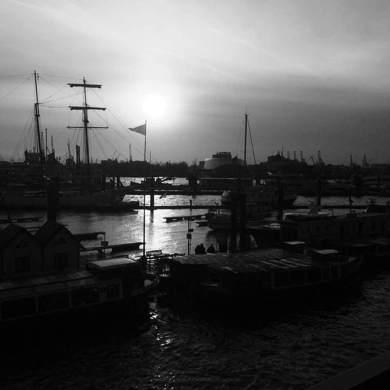 Reeperbahn  Hamburg Harbor Boat Light Blackandwhite