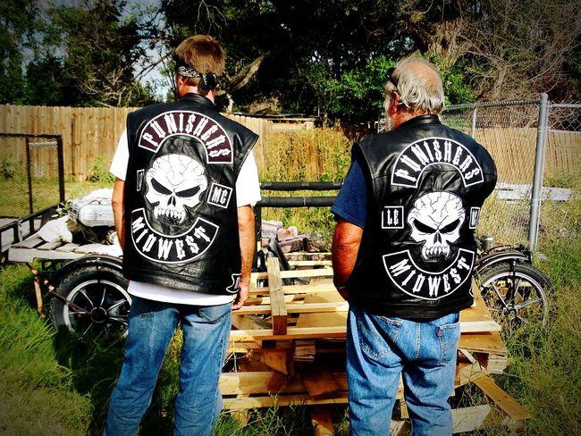 Standing Bonding Togetherness Casual Biker Life Bikers Brotherhood Mc Bikers Contemplating