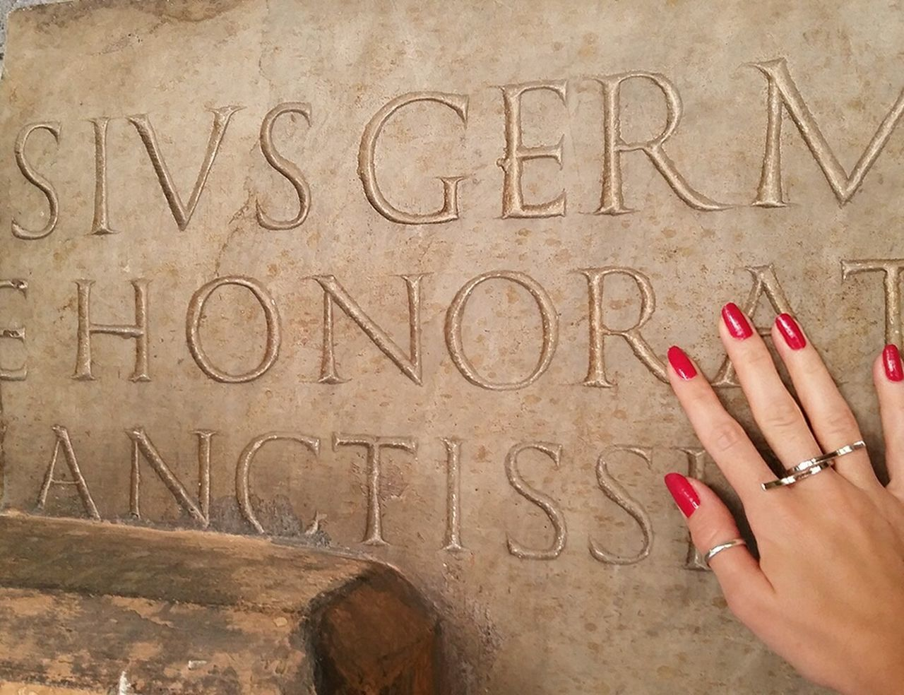 Honour. Writing Ancient Rome Ancient Hand Hands Touching Hand With Red Nails Red Nails Roman Roman Writing Wall Honor Honour Beautiful Hand