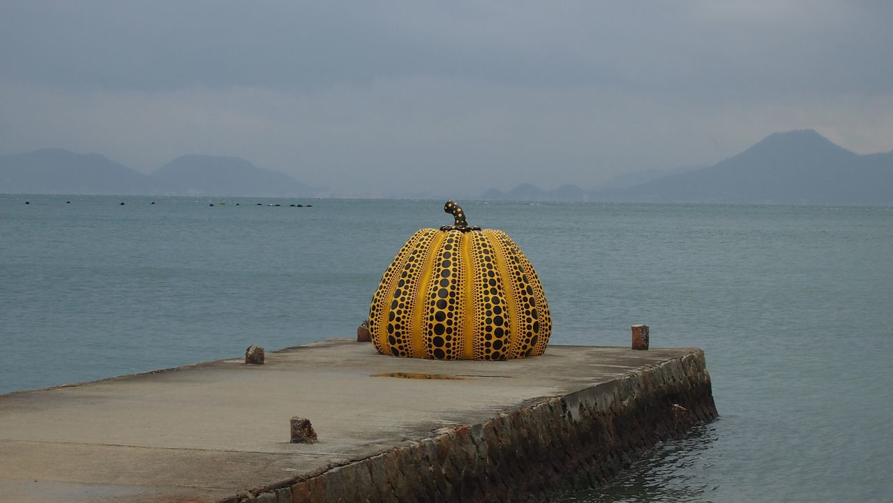 Pumpkin Check This Out Relaxing Hello World End Of The World Seaside Art 草間彌生 Peace And Quiet Naoshima Rainy Days my favorite part of Naoshima . No matter it's sunning or rainy, this pumpkin just stands there,peaceful ,quiet,and FREE! It belongs to everyone,much more close to people than those huge museums on the island.