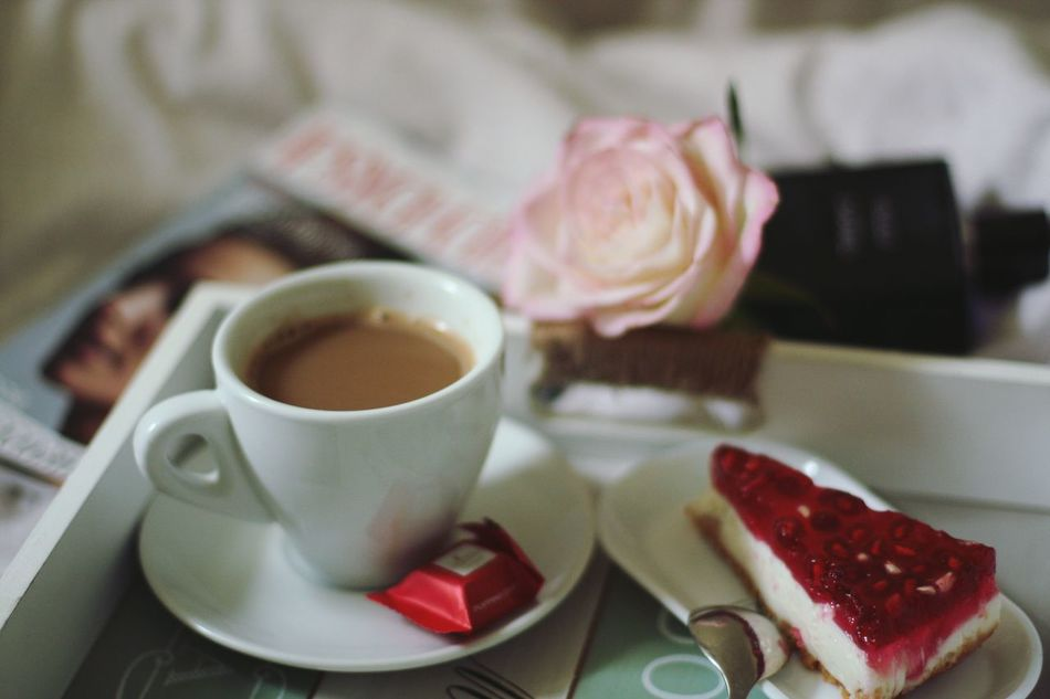 My morning ..... Like this. I wish to u a good day my friends. Kiss from me Morning Morning Coffee Morningcoffee Goodtime Goodafternoon Sweetmorning Iwannabewithyou Roses Cheese Cake Coffee Cup