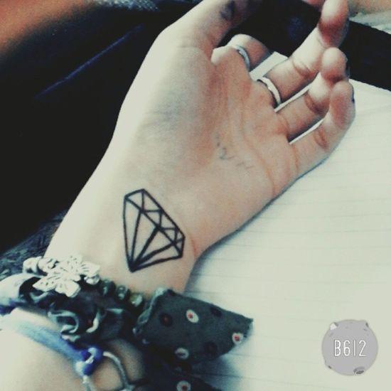 Algun dia lo voy a tenerrrr❤❄ Diamante  Lapicera Colegio Emboleeeee .