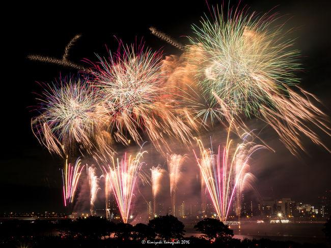 足立の花火 Art City Life Event Fireworks Long Exposure Motion Night Night Lights Night Photography Night View Nightlife Nightphotography Olympus Olympus Om-d E-m10 Sparks
