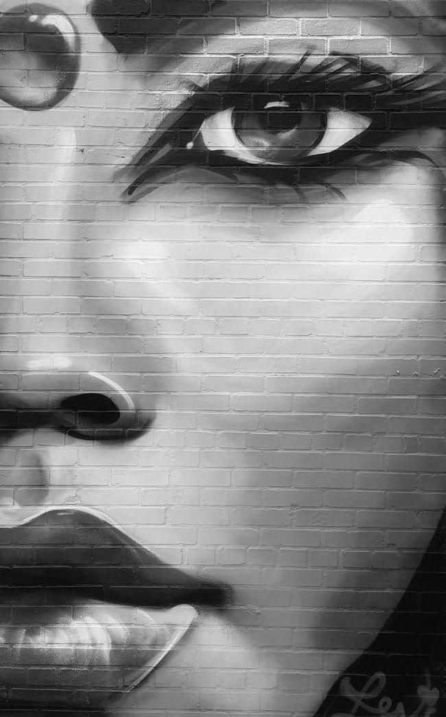 Beautiful work by Lexi Bella. Close-up Full Frame Backgrounds Human Eye Extreme Close-up Geometric Shape Bnw_friday_eyeemchallenge Bnw_collection EyeEmBestPics EyeEm Gallery NYC Photography Diminishing Perspective City Life Art Yourself Streetart Graffiti Art EyeEm Bnw EyeEyem Eyeeye