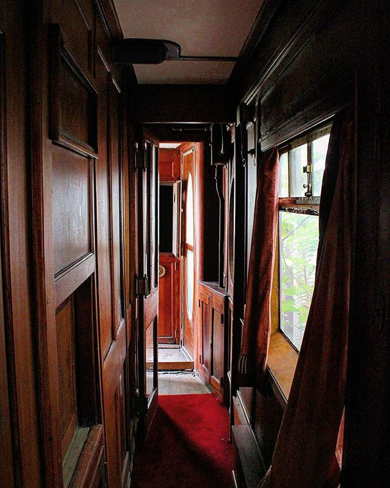 Train Old Renovation Vintage Nostalgia Wooden Coridor Windows Carpet Conpartment Trip Colt English Retro Contacter Beautiful Dreamy Romantic Tickets Vacations Railways_of_our_world Orianexpress Aghathachristie Herculepoirot Station Photography canon700d Thessaloniki Greece