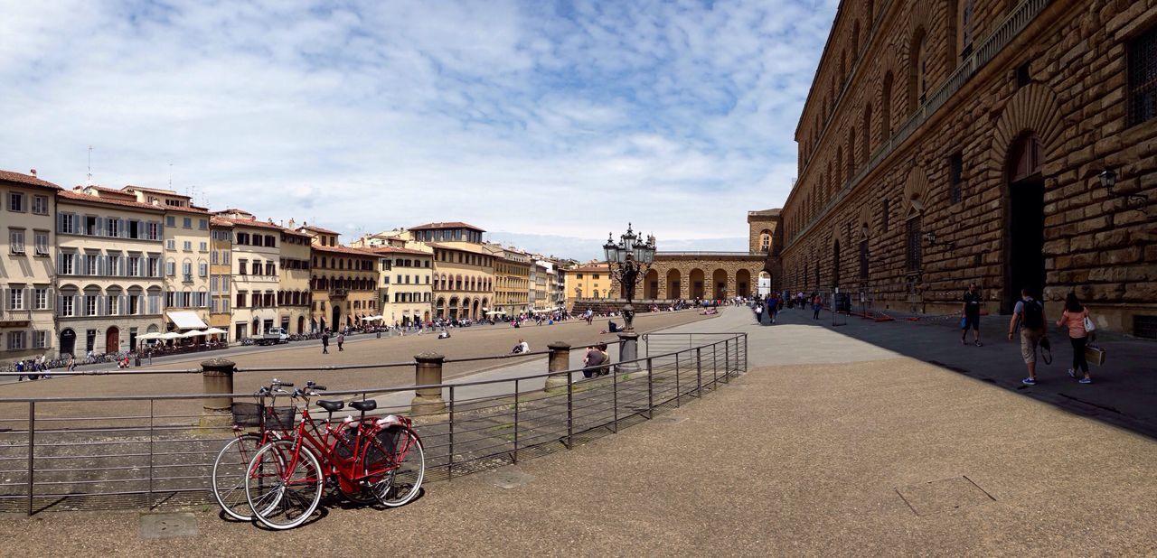 Palazzo Pitti - Firenze 😍 Firenze Florence Italia Italy Pitti Palazzopitti Bicycle City Panoramic Having A Good Time