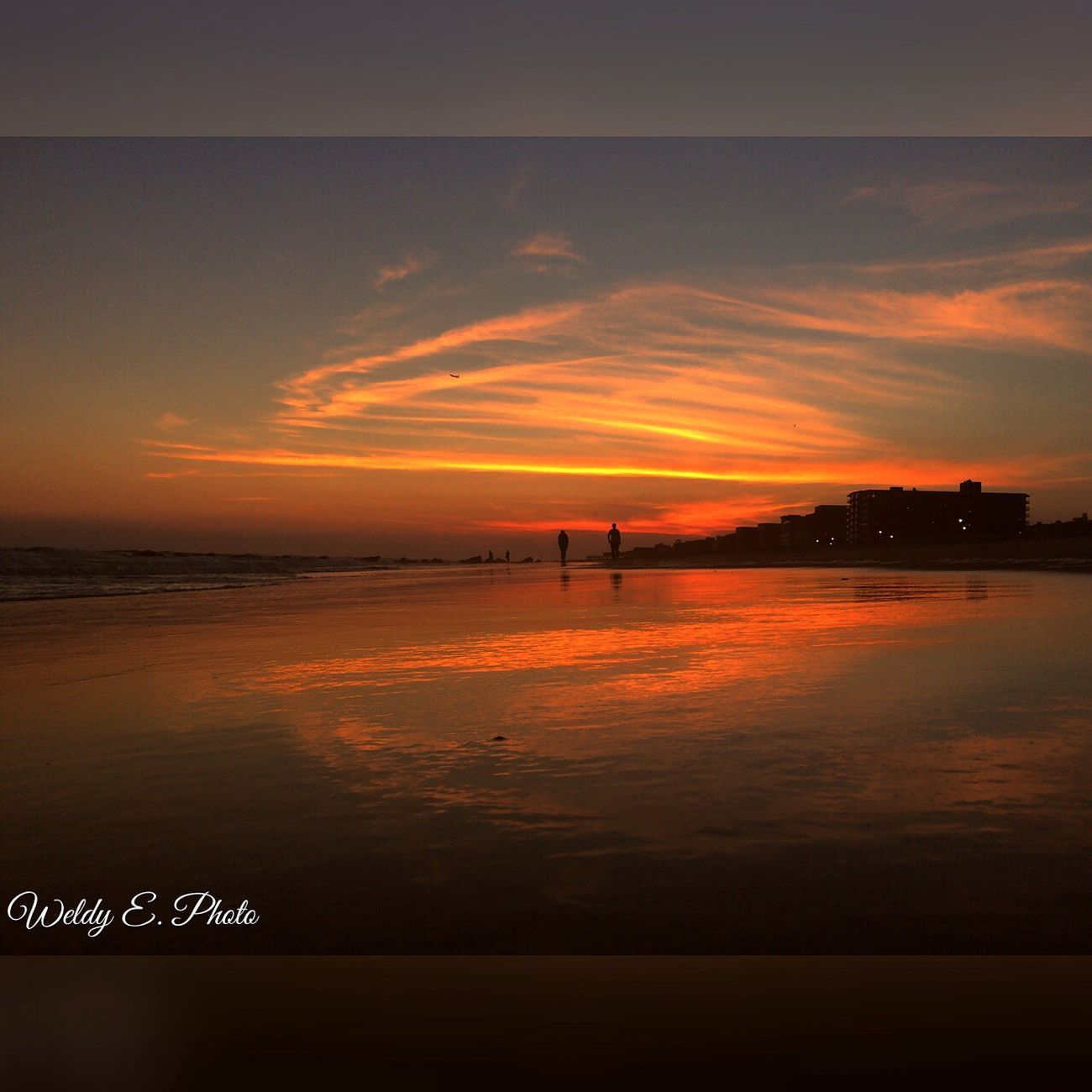 Sunset At Long Beach, NY Sunset_collection EyeEm Sunset Visualmagic Sky Collection Beautiful Sky EyeEm Best Shots Splendid_reflections Beachphotography Popular Photos