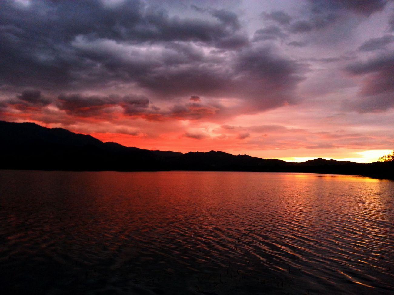 quand le soleil se couche sur Padule .. Santu Petru Sun_collection Sunshine bonne soirée. ..