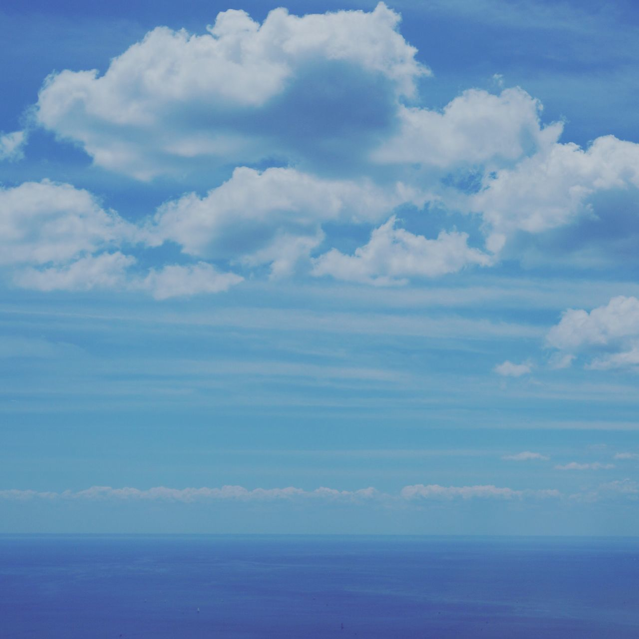 cloud - sky, tranquility, sky, scenics, beauty in nature, tranquil scene, nature, day, idyllic, no people, outdoors, blue, sea, horizon over water