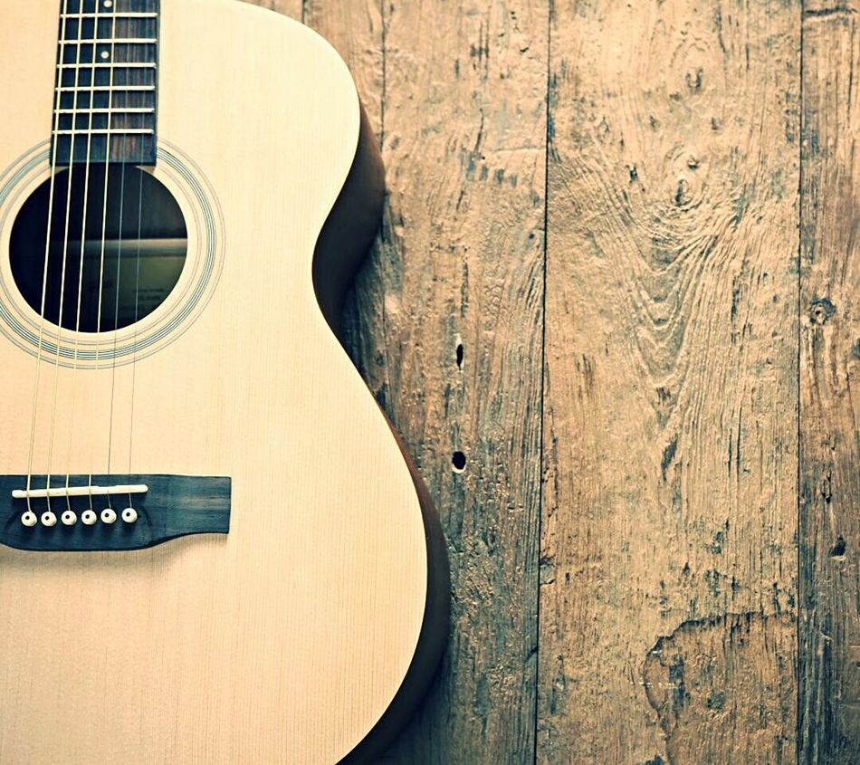 Instrument Of Time Music Is Life Music Is My Life Music Time Lifestyle Close-up Acustic  Acusticguitar Guitar EyeEm Best Shots Eyeemphoto Eyeem Best Shots Guitar Eyeem Music EyeEm Music Lovers