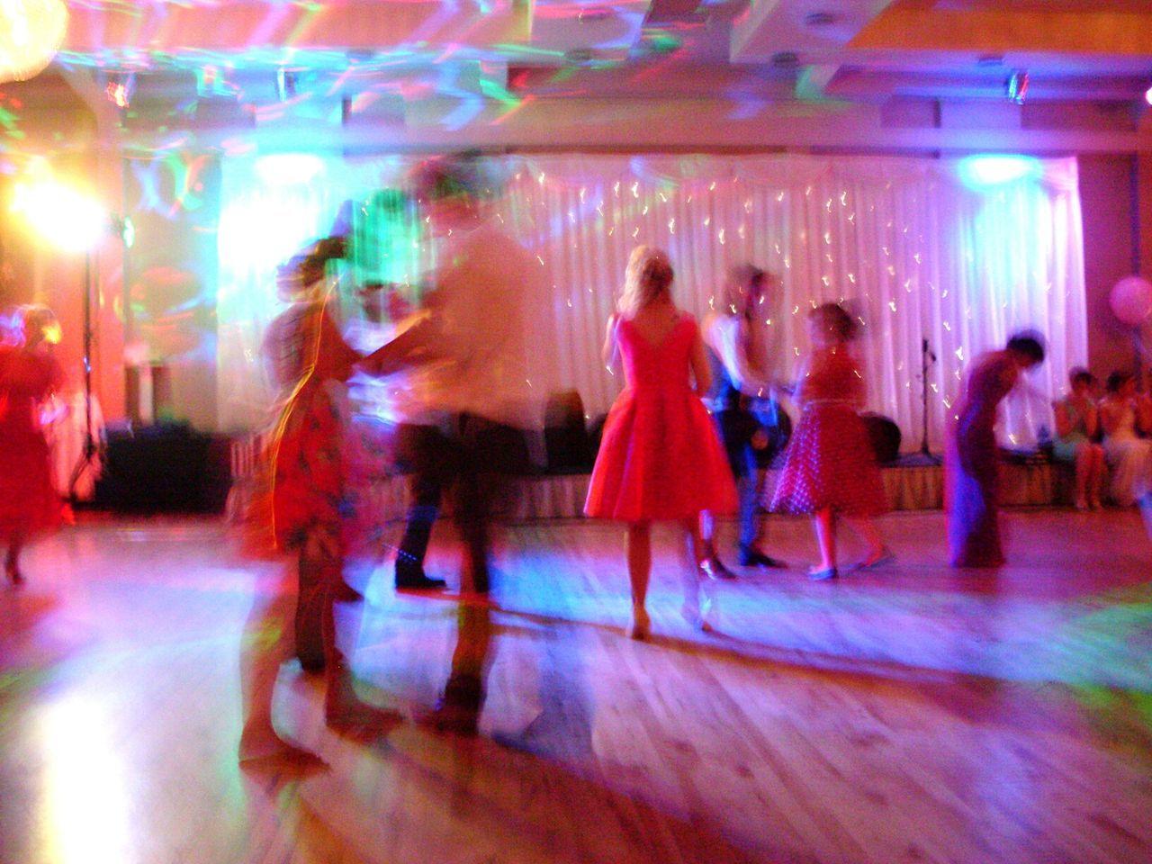 Bailando. Dance Dancing Tanz Tanzen Blurred Motion Verschwommen Colourful Colorful Bunt Party Wedding Hochzeit Red Dress Rotes Kleid Red Rot