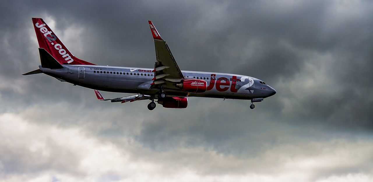 JET2 LANDING AT MANCHESTER Air Vehicle Airplane Cloud - Sky Flying Jet Flight Jet Holidays Jet.com Jet2 Mancester Manchester Airport Outdoors Sky Transportation