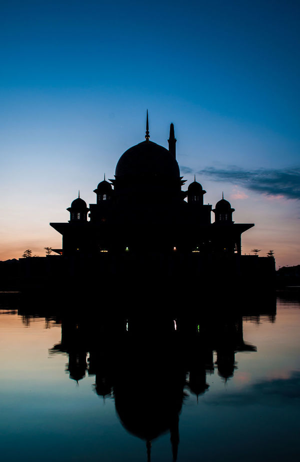 Masjid Putra in Silhouette Silhouette Reflection Sky Architecture Outdoors Nature Cloud - Sky Water Blue Masjid Putrajaya Masjidputra Putrajaya, Malaysia Visit Malaysia Sunrise Golden Hour Dawn Malaysia Photography Malaysia Scenery Landscape Sunset History War Military No People Day