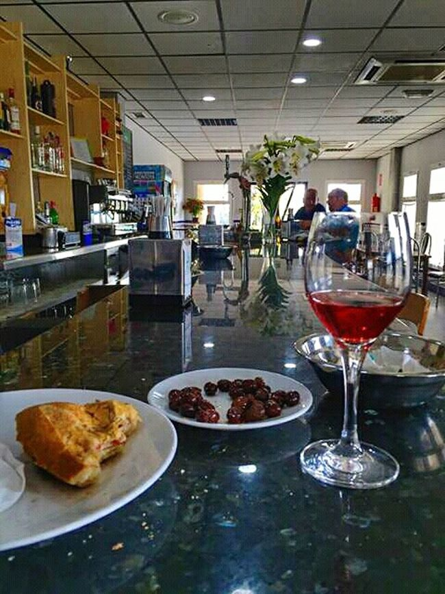 Bar Restaurant Restaurants Brunch Tapas Vino Wine Cup Of Wine Copa De Vino Vino The Mix Up