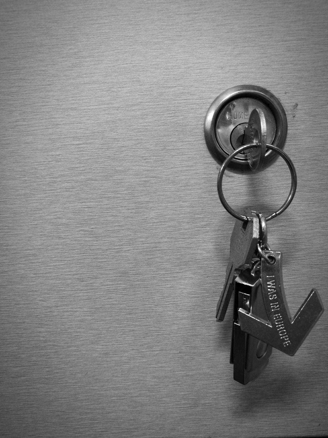 Keychain Close-up No People Indoors  Architecture Drawer Keys Keys Photography Arrow Black Blackandwhite Black & White HuaweiP9Photography HuaweiP9 Monochrome