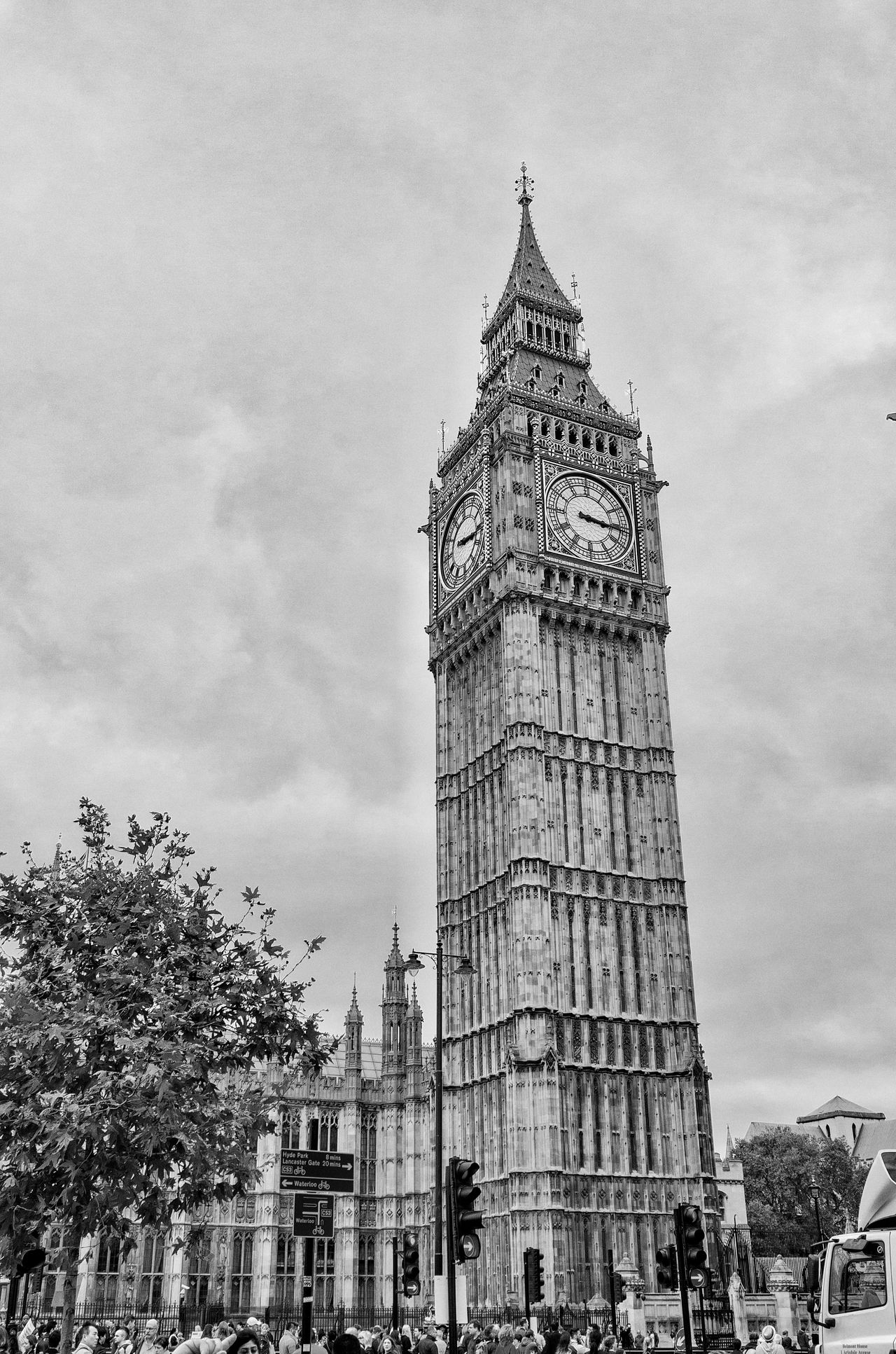 Architecture Big Ben Great Britain Londyn England Built Structure Tower Tall - High City Travel Destinations Outdoors Capital Cities  Famous Place TOWNSCAPE Black & White Black And White Blac EyeEm LOST IN London