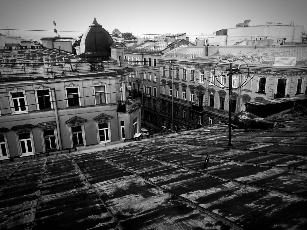 Building Exterior Architecture Built Structure Sky вид с крыши Чб Black And White Photography Black & White Looking Down Roof Roof Window Roof Of House On The Roof St.petersburg Питер Санкт-Петербург Самый лучший город крыши Петербурга на крыше крыши выйти City чердак Lifestyles