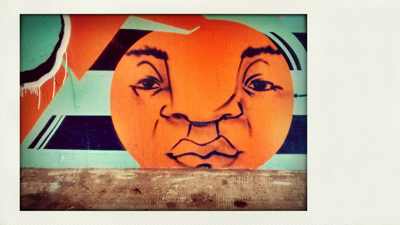 Writing On The Walls Grafitti found on way to work. Linwood, United Kingdom