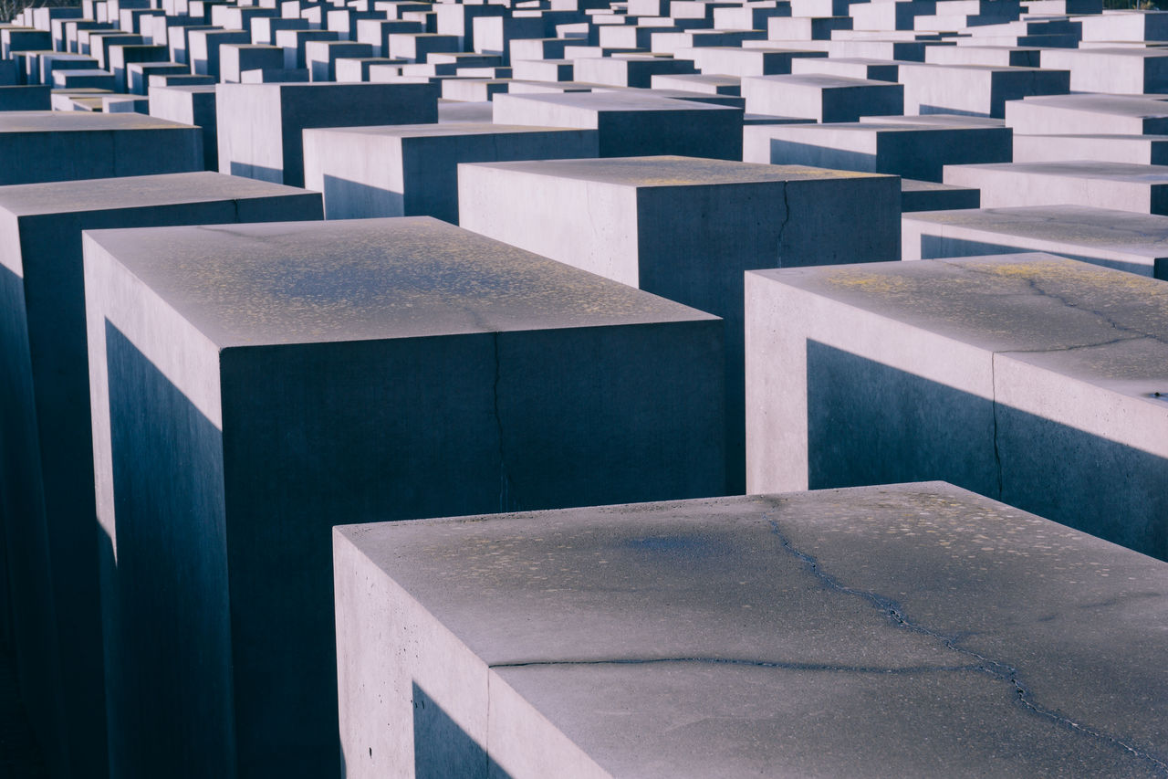 memorial, in a row, cemetery, history, the past, no people, outdoors, grave, day