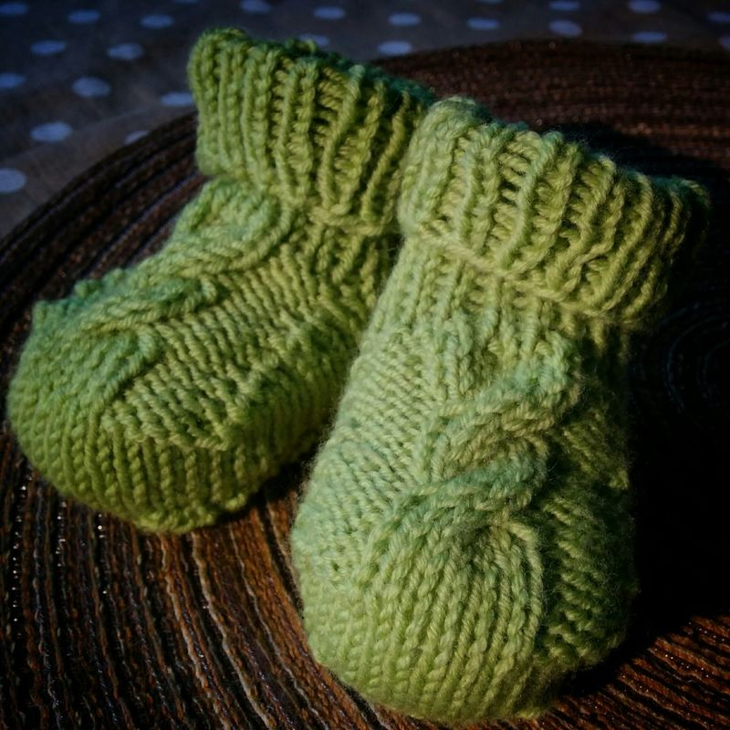 Eben gestickt: Baby Booties Knitting Babyshoes  Green