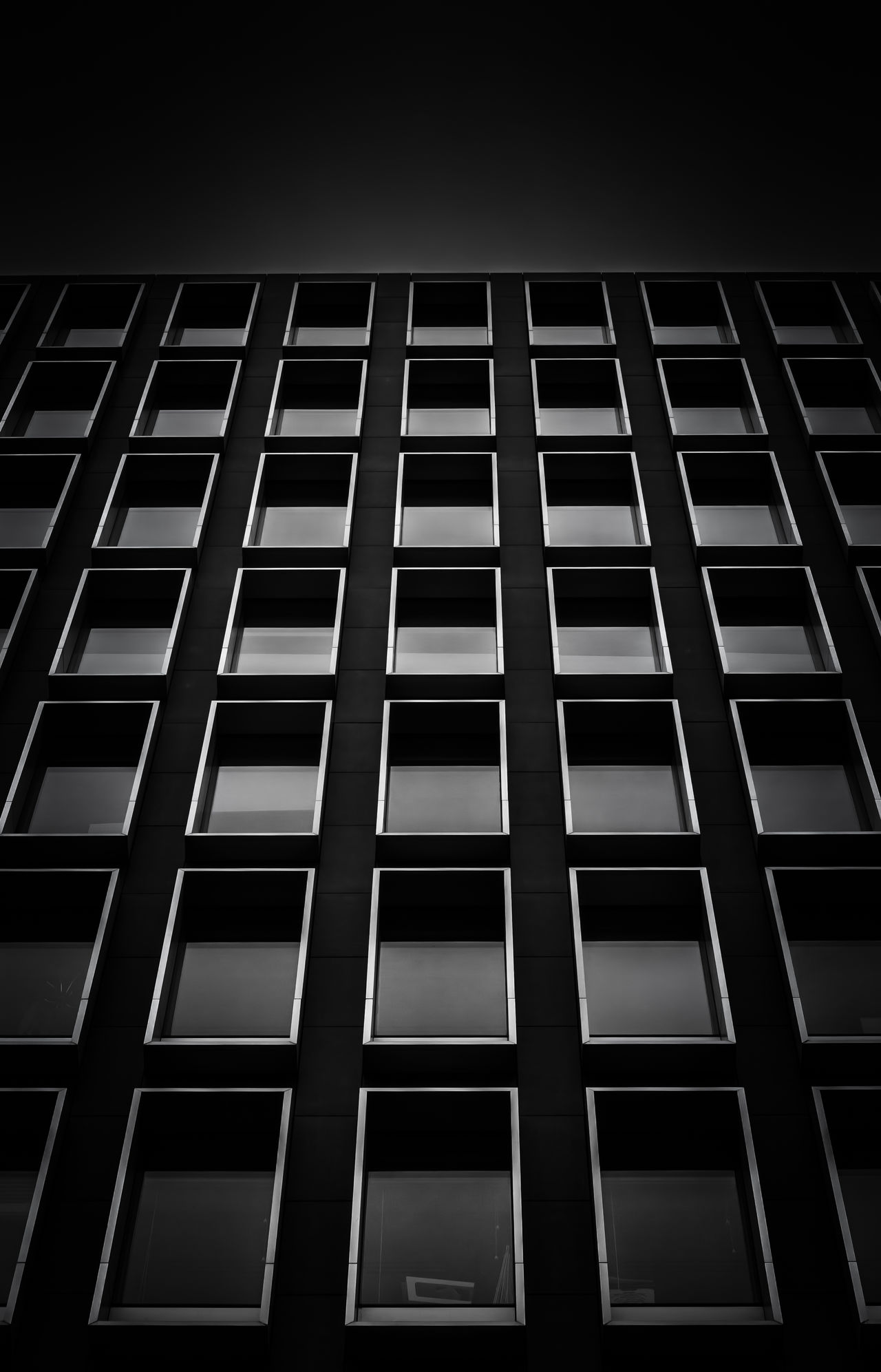 No People Architectural Architecture Symmetry Symmetrical Contrast Black & White Bnw Light And Shadow Monochromatic Shadows & Lights London Lights And Shadows Blackandwhite Photography Office Building Pattern Lookingup Looking Up Parallel Lines Windows Window Fine Art Photography Low Angle View Built Structure