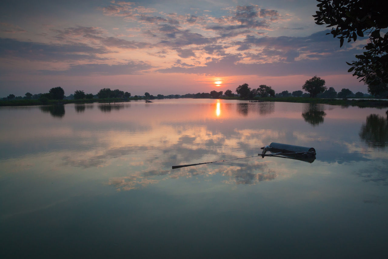 Morning show Reflection Water Lake Outdoors Nature Beauty In Nature Landscape Water Reflections Morning Sunrise Morning Glory Morning Glow Morning View Morning Morning Light Sunrise Nature Sky Beauty In Nature Cloud - Sky Reflection EyeEmNewHere