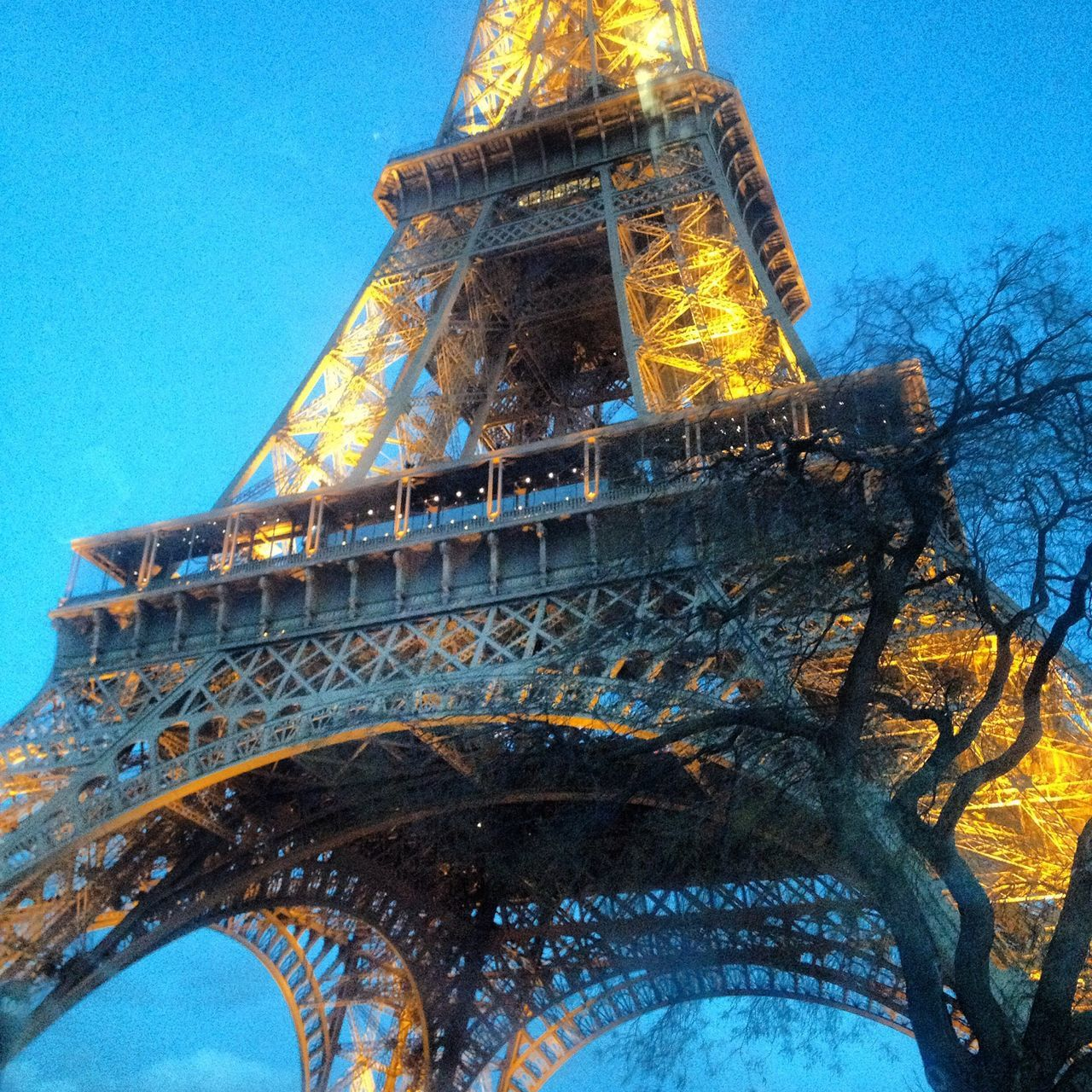 Cities At Night Paris Eiffel Tower Under The Dome Queen Paris In Love <3 Before Sunset Light Up Your Life Hanging Out Happy Sunday In The City