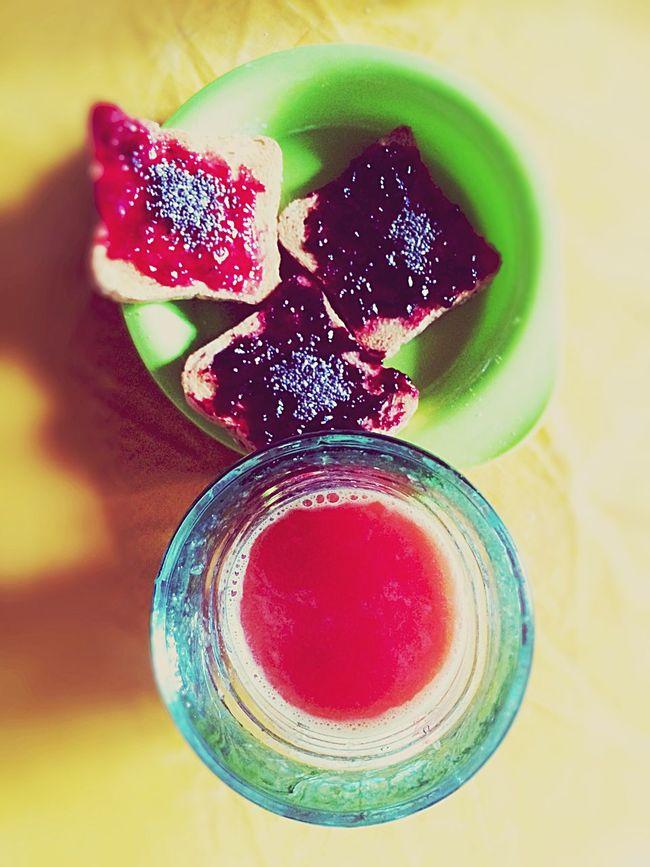 Good Morning Buenosdias Buongiorno Sweetmorning Chiaseeds FreshOrangeJuice Strawberry Bluberry