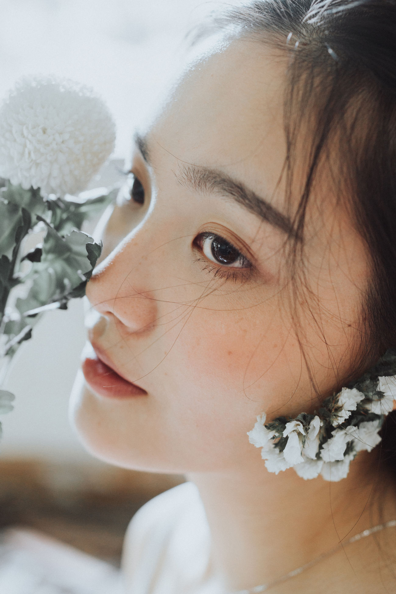 Beautiful Woman Childhood Close-up Day Elementary Age Flower Fragility Freshness Human Face Indoors  Nature One Person People Portrait Real People The Portraitist - 2017 EyeEm Awards Young Adult Young Women