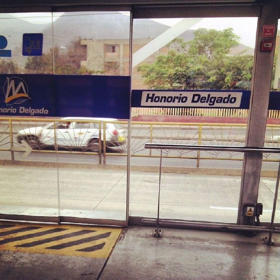 Regresando de la U University Metropolitano Peru Lima Consueño Hungry Happy